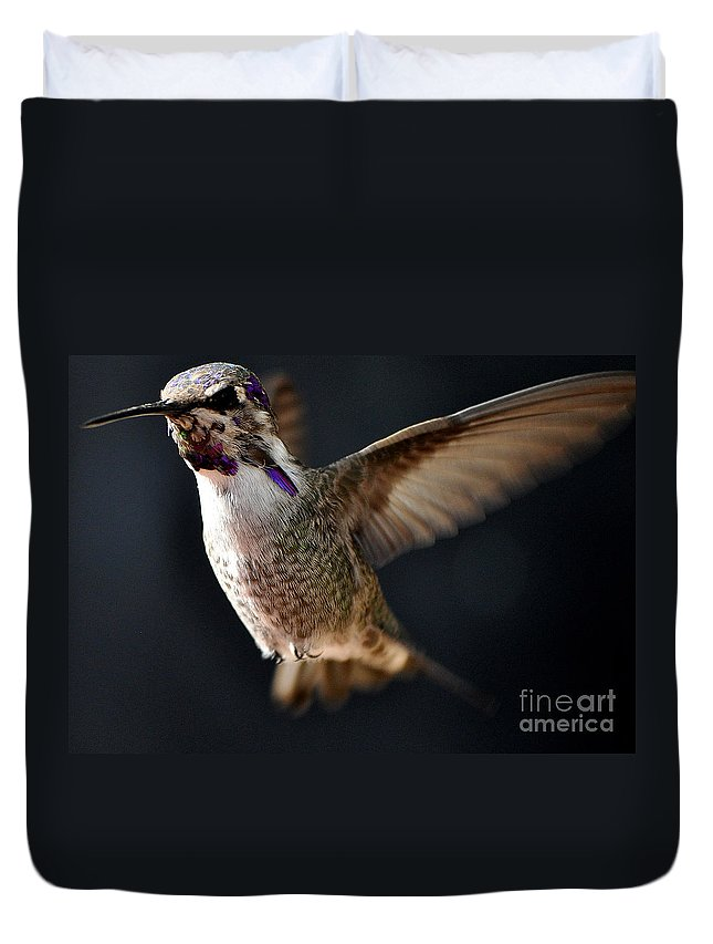Anna Duvet Cover featuring the photograph Coming In For A Landing by Jay Milo