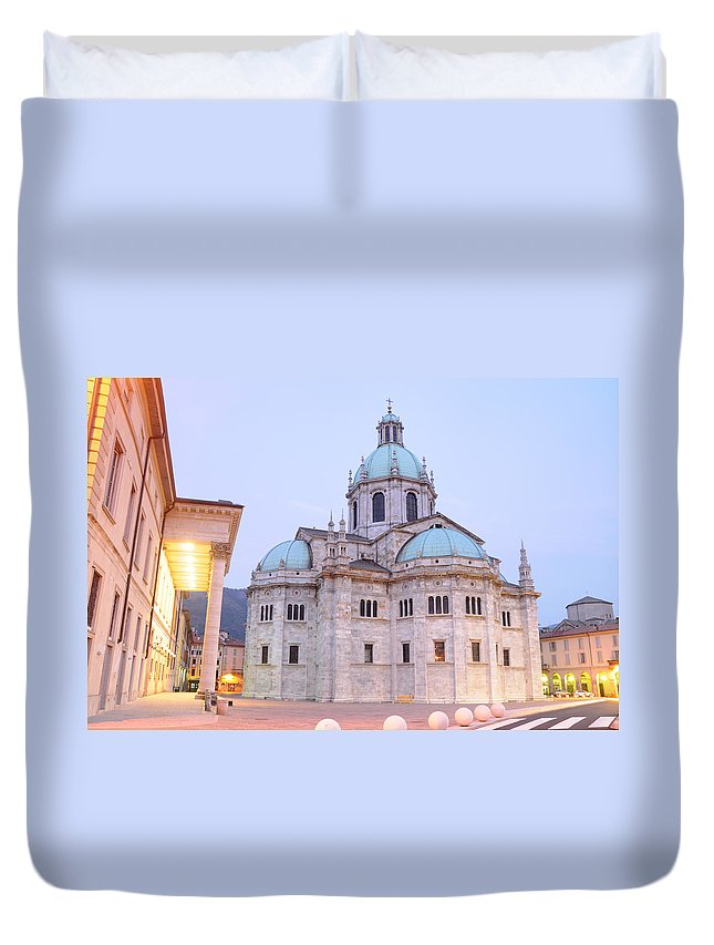 Como Duvet Cover featuring the photograph Como Cathedral by Jeremy Voisey