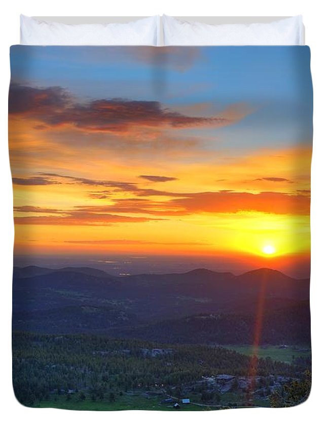 Conifer Duvet Cover featuring the photograph Conifer Sunrise by David Ross