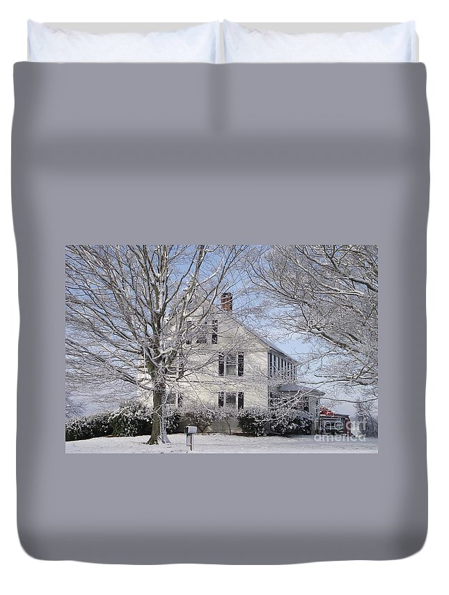 Connecticut Farmhouse Duvet Cover featuring the photograph Connecticut Winter by Michelle Welles
