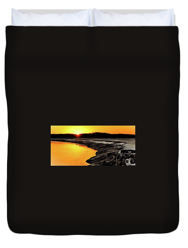 Alaska Duvet Cover featuring the photograph Contrasts In Nature by Ron Day