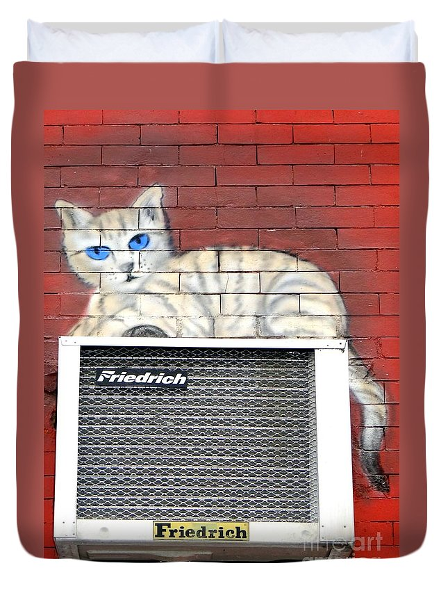 Cat Duvet Cover featuring the photograph Cool Kitty by Ed Weidman