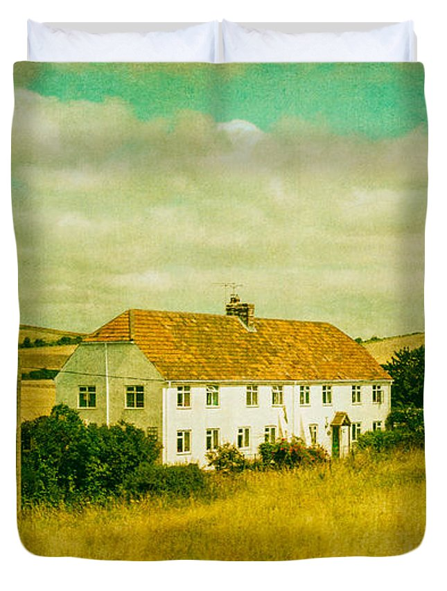 Home Duvet Cover featuring the photograph Countryside Homestead by Lenny Carter