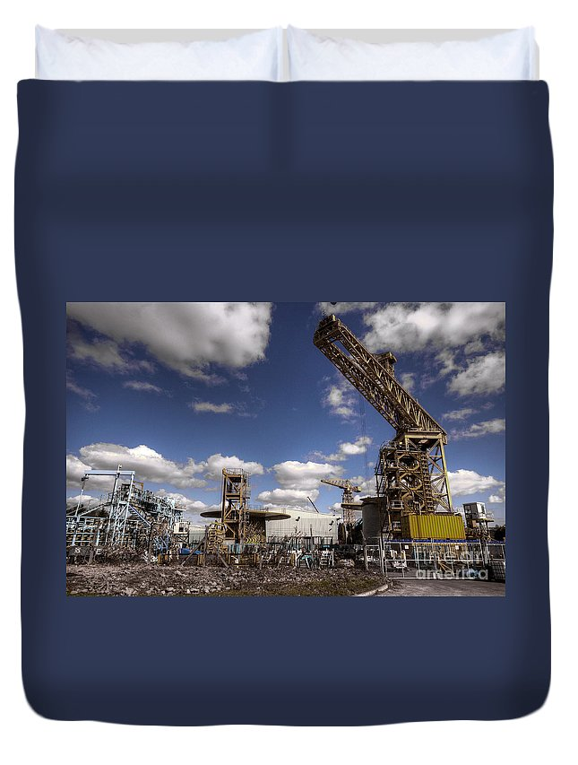 Crane Duvet Cover featuring the photograph Craned by Rob Hawkins