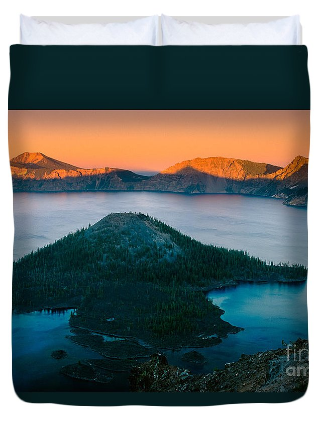 America Duvet Cover featuring the photograph Crater Lake Sunset by Inge Johnsson