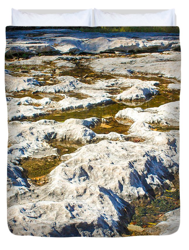 Devonian Fossil Gorge Coralville Lake Ia Duvet Cover featuring the photograph Crater-like Rock Devonian Fossil Gorge by Cynthia Woods