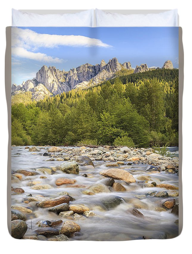 Castle Crags Duvet Cover featuring the photograph Creek And Castle Crags by Ken Brown