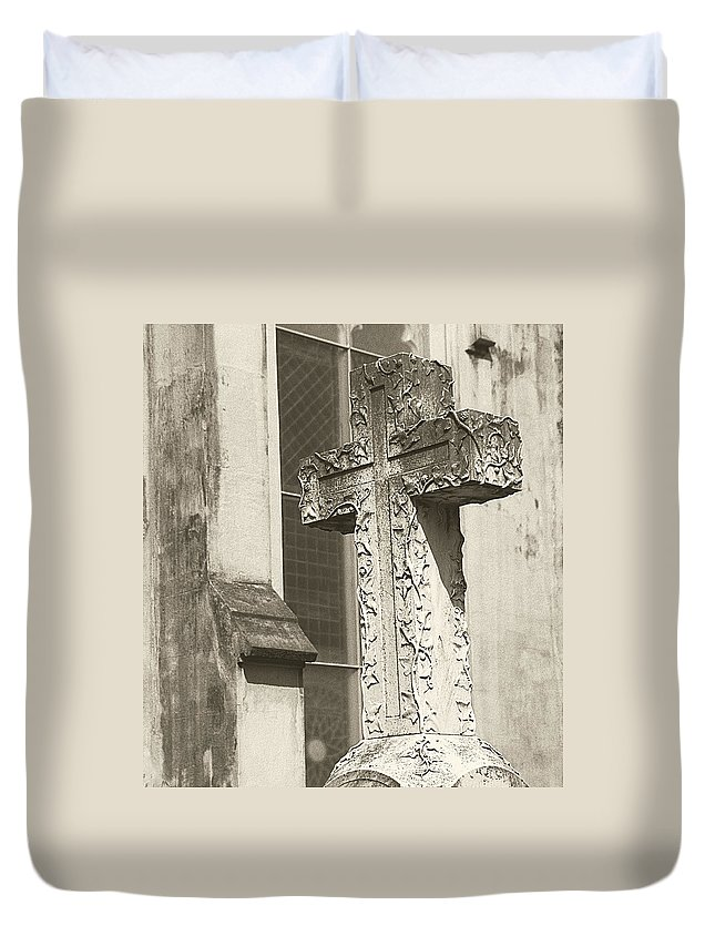 Charleston Duvet Cover featuring the photograph Cross Charleston Sc by Steve Archbold