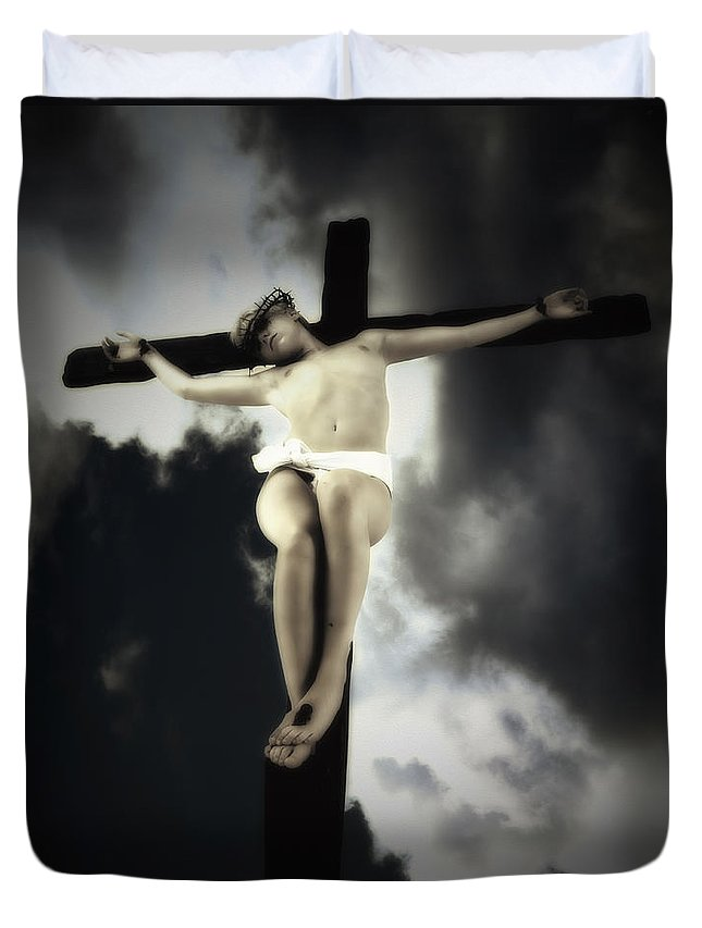Sky Duvet Cover featuring the photograph Crucified Christ by Ramon Martinez