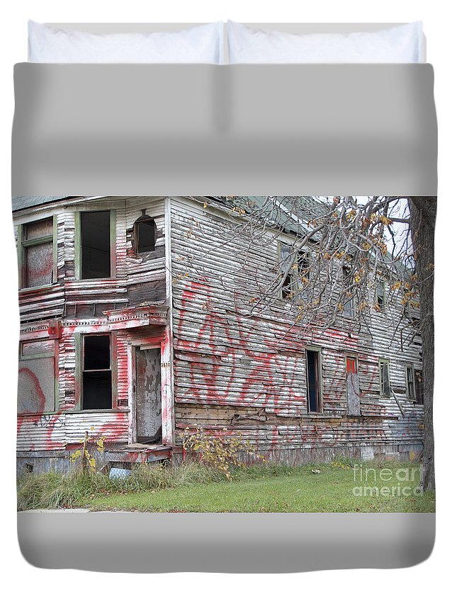Abandoned Duvet Cover featuring the photograph Cry For Help by Ann Horn