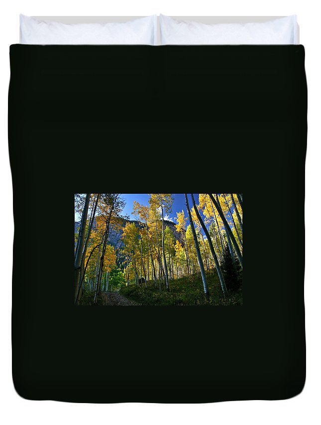 Fall Colors Duvet Cover featuring the photograph Crystal Loop by Jeremy Rhoades