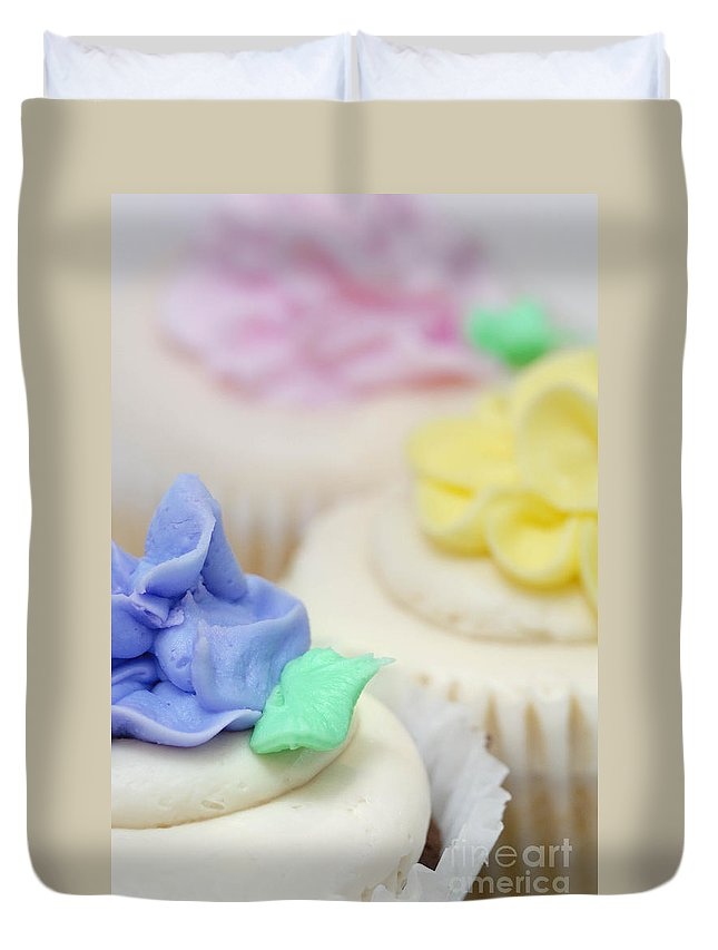 Baked Goods Duvet Cover featuring the photograph Cupcakes Shallow Depth Of Field by Amy Cicconi