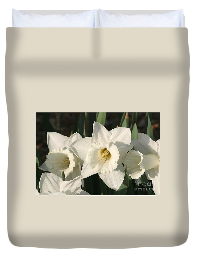 Dafodil Duvet Cover featuring the photograph Dafodil171 by Gary Gingrich Galleries
