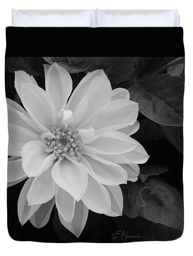 Dahlia Duvet Cover featuring the painting Dahlia by Ellen Henneke