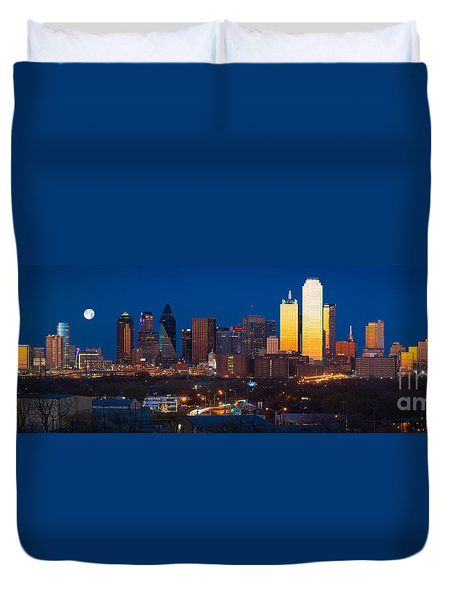 Dallas Duvet Cover featuring the photograph Dallas Skyline Panorama by Inge Johnsson