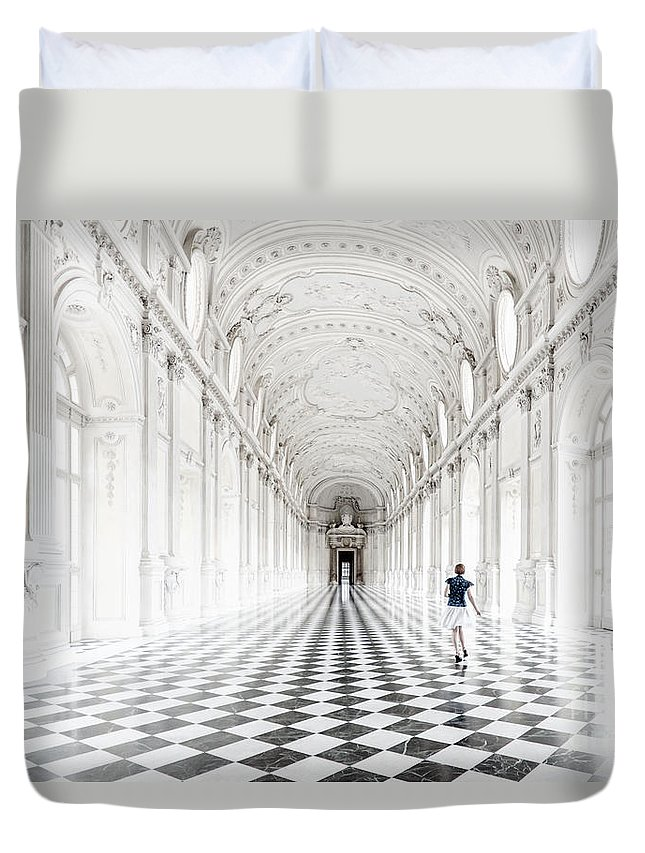 Duvet Cover featuring the photograph Dancing In The Galleria Grande by Giuliano Iunco