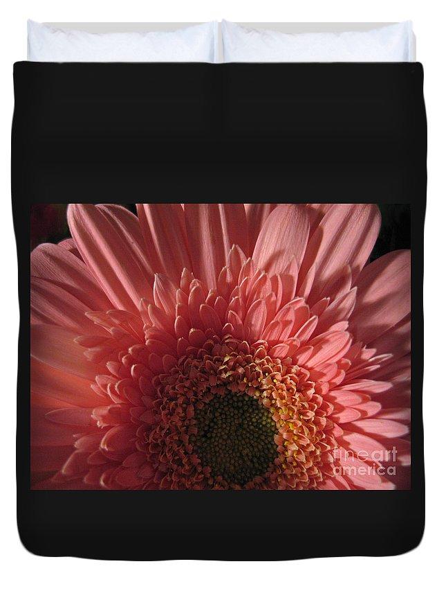Flower Duvet Cover featuring the photograph Dark Radiance by Ann Horn