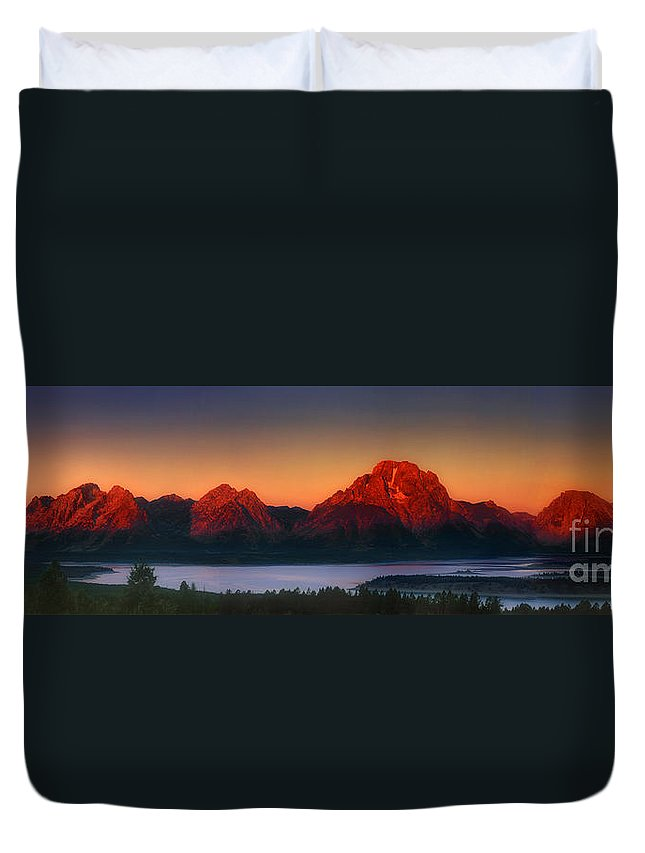 Wyoming Landscape Duvet Cover featuring the photograph Dawn Light On The Tetons Grant Tetons National Park Wyoming by Dave Welling