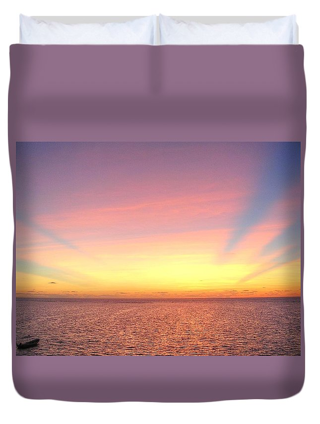 Sunrise Duvet Cover featuring the photograph Dawn by Paul Williams