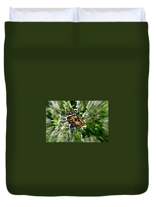 Focal Zoom Duvet Cover featuring the photograph Day Dream by Barbara S Nickerson