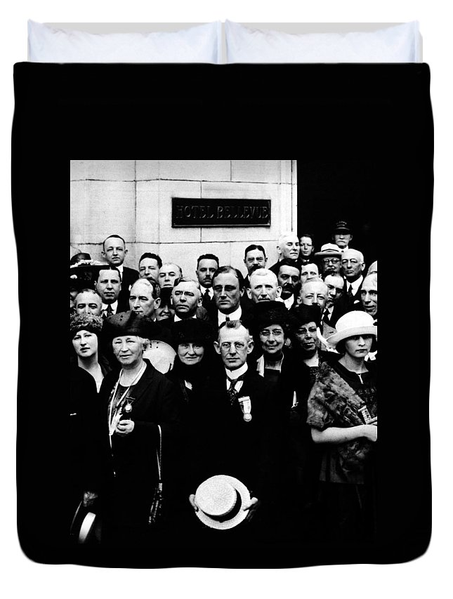1920 Duvet Cover featuring the photograph Democractic Delegates, 1920 by Granger