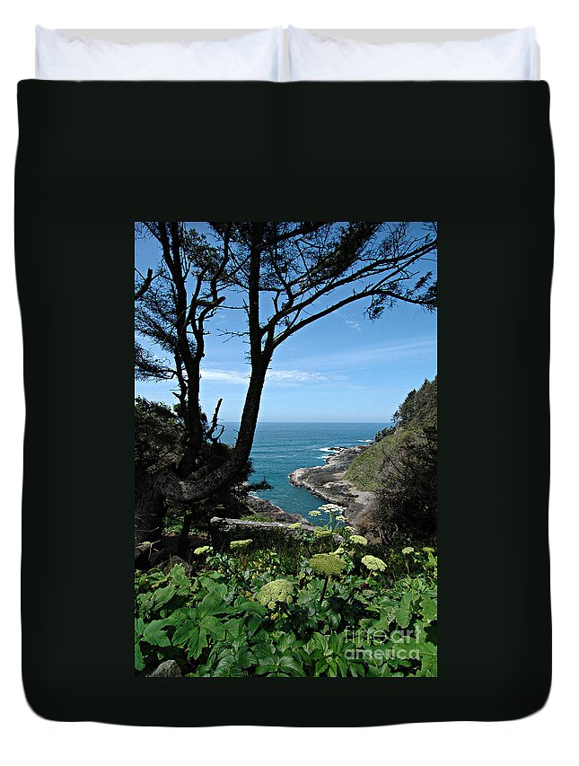 Duvet Cover featuring the photograph Devil's Churn Oregon Coastline by Mike Nellums