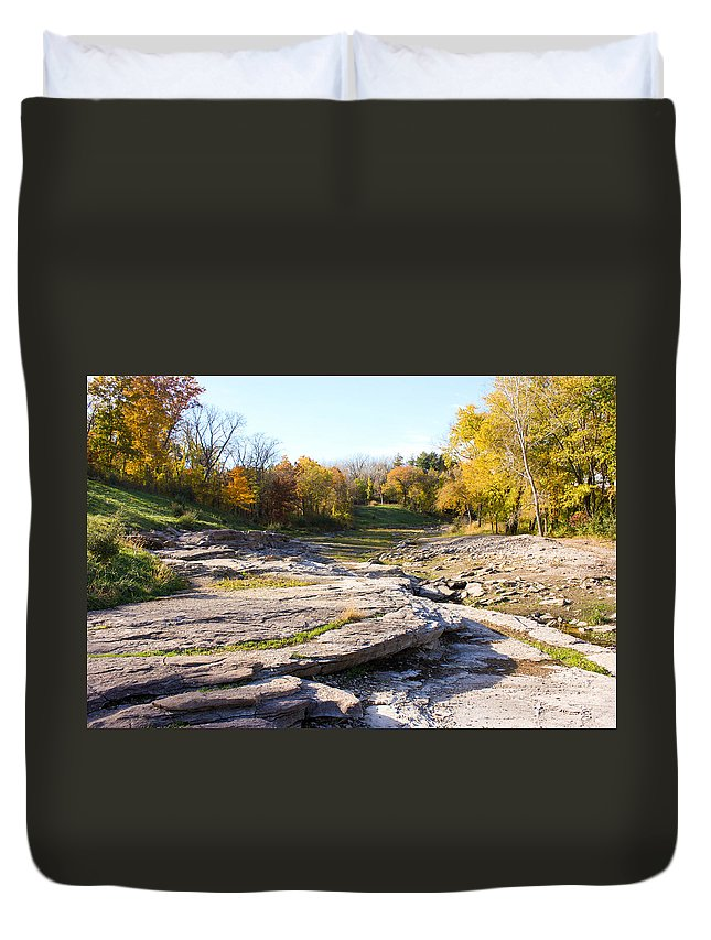 Devonian Fossil Gorge Coralville Lake Ia Duvet Cover featuring the photograph Devonian Fossil Gorge Coralville Lake Ia 3 by Cynthia Woods