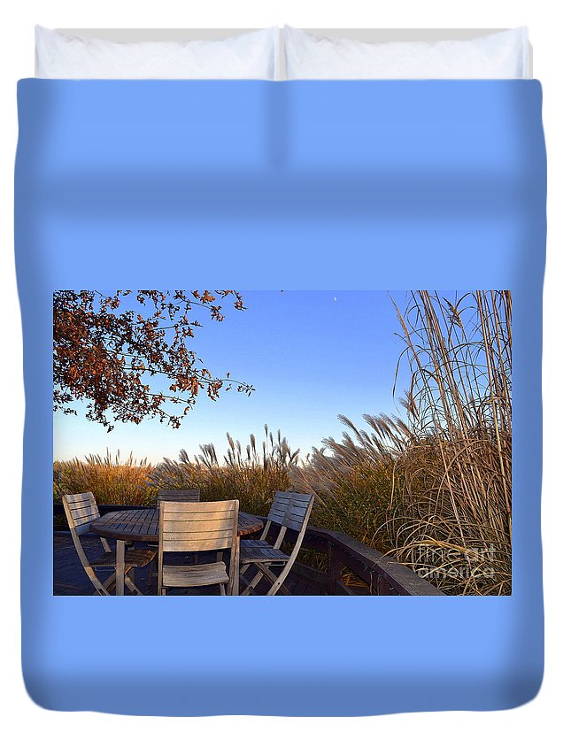 Zionsville Duvet Cover featuring the photograph Dinner In The County by Amy Lucid