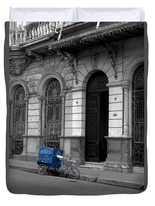 Cuba Duvet Cover featuring the photograph Doing The Rounds by James Brunker