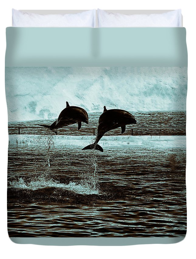 Sea Life Park Duvet Cover featuring the photograph Dolphin Pair-in The Air by Douglas Barnard