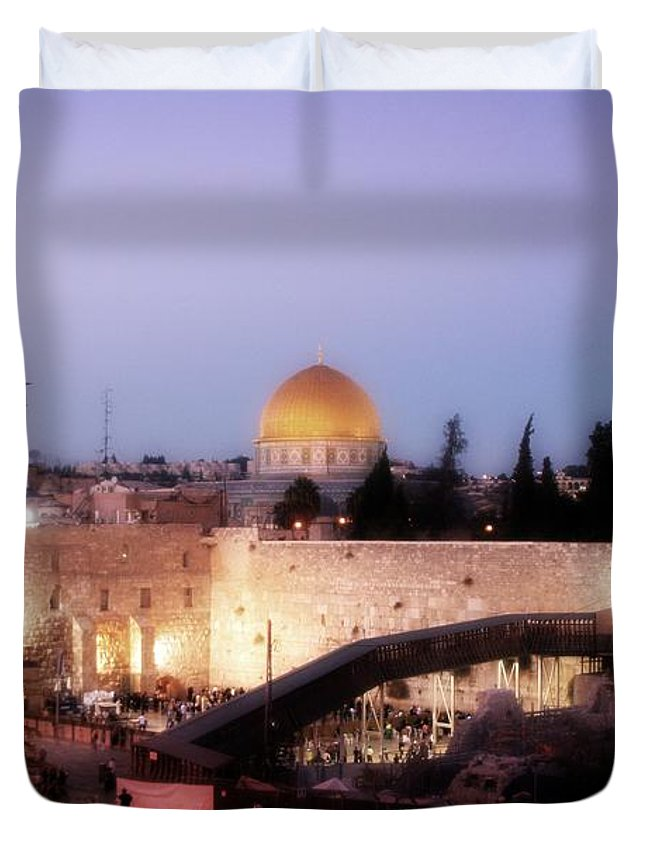 Al Aqsa Mosque Duvet Cover featuring the photograph Dome - Twilight by Doc Braham