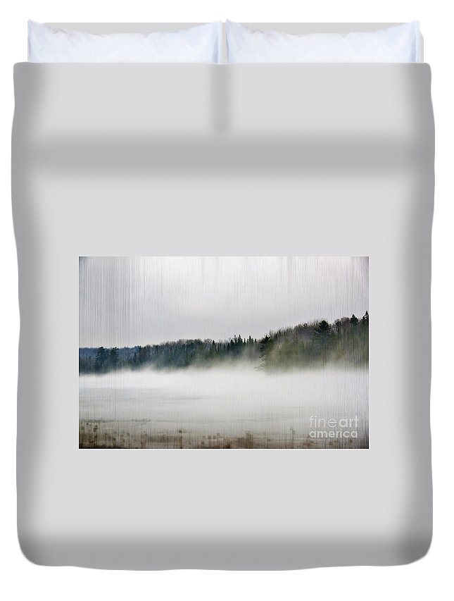 Landscape Duvet Cover featuring the photograph Driving Down by Elaine Berger