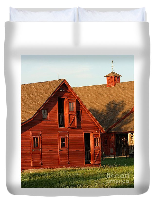 Agriculture Duvet Cover featuring the photograph Dual Barns-3811 by Gary Gingrich Galleries