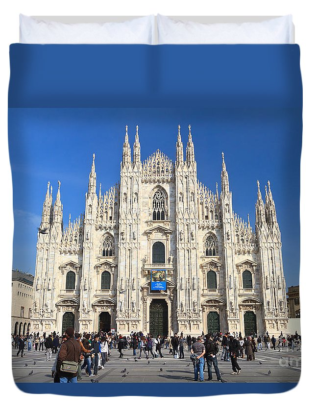 Ancient Duvet Cover featuring the photograph Duomo In Milano. Italy by Antonio Scarpi