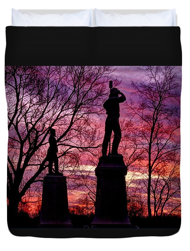 Civil War Duvet Cover featuring the photograph Durell's Independent Battery D And 48th Pa Volunteer Infantry-a1 Sunset Antietam by Michael Mazaika