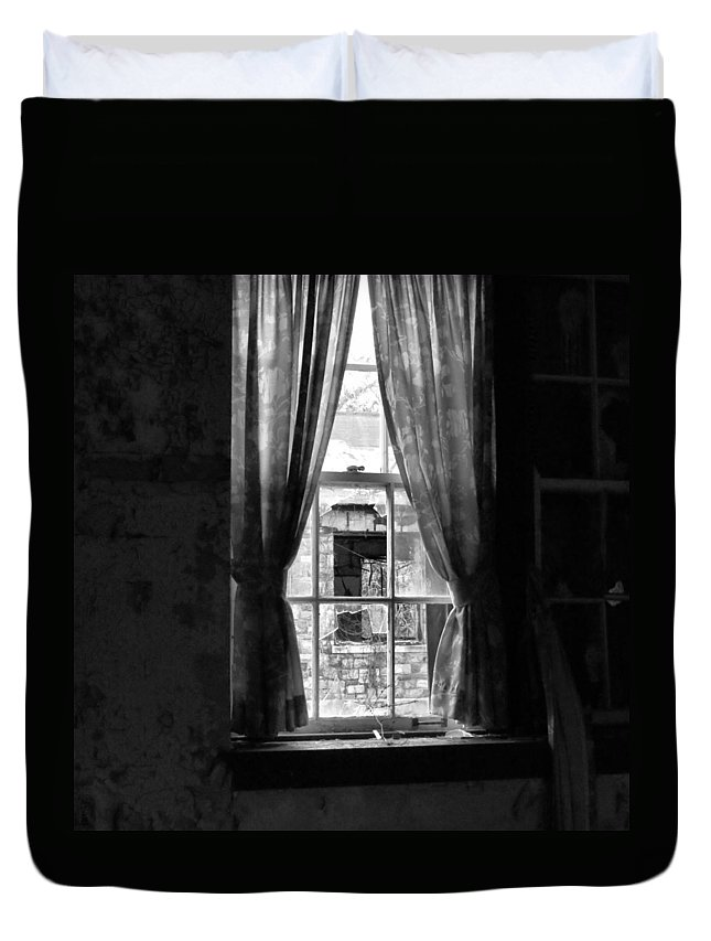 Haunt Duvet Cover featuring the photograph Dying Neighborhood by Art Dingo