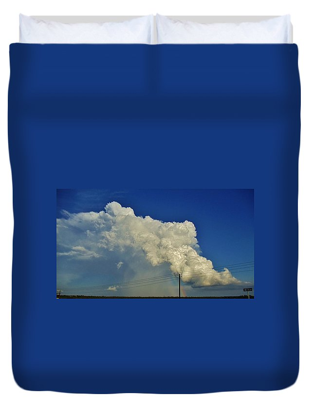 Picture Duvet Cover featuring the photograph Dying Texas Supercell by Ed Sweeney