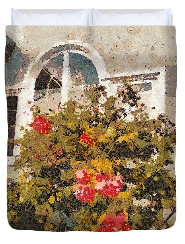Klimt Duvet Cover featuring the photograph Alameda Roses by Linda Weinstock