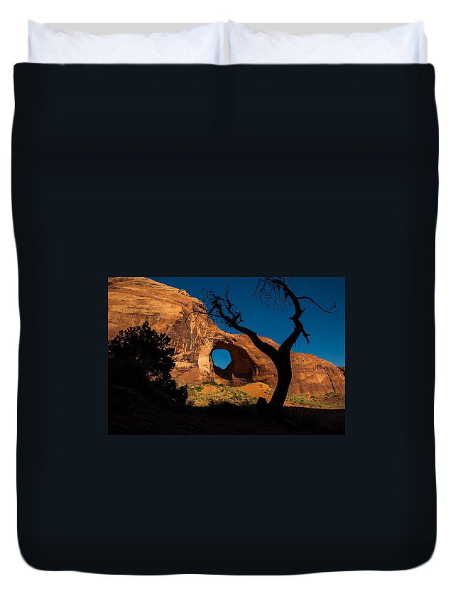 Monument Valley Duvet Cover featuring the photograph Ear Of The Wind by George Buxbaum