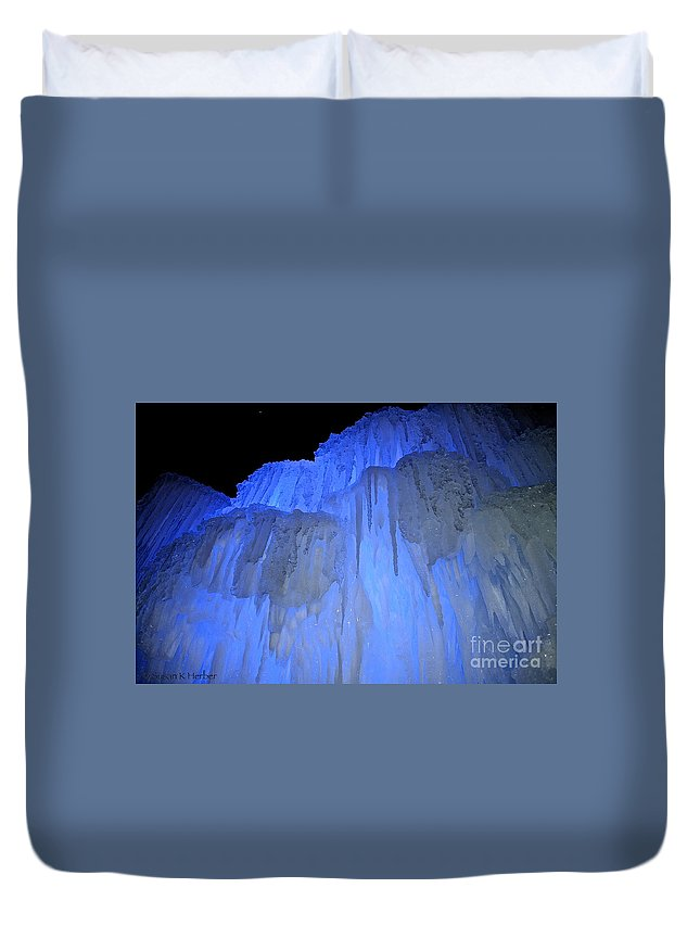 Ice Duvet Cover featuring the photograph Elevated Blue by Susan Herber