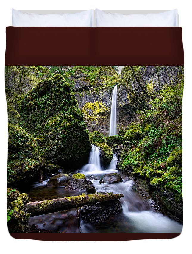 Waterfall Duvet Cover featuring the photograph Elowah Falls by Dustin LeFevre