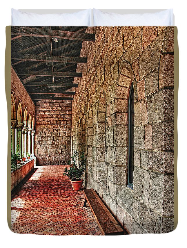Cloisters Museum Duvet Cover featuring the photograph Empty Bench And Corridor At Cloisters by Nishanth Gopinathan
