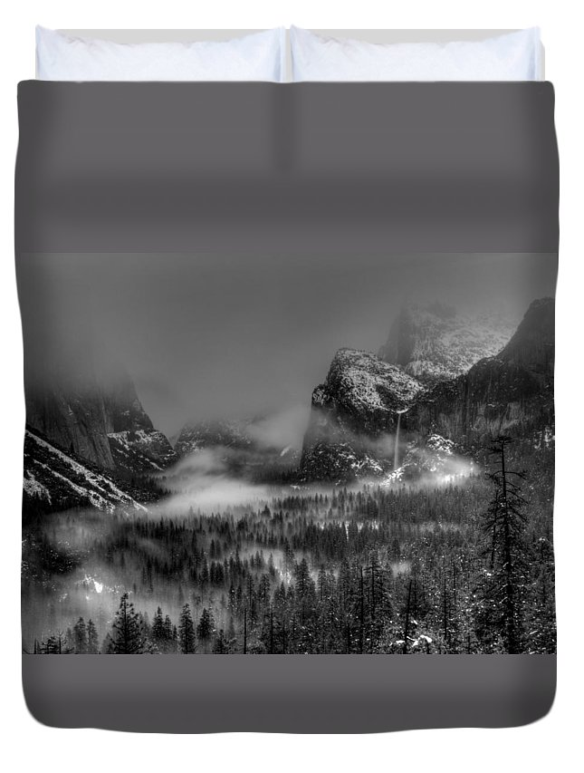 Black And White Duvet Cover featuring the photograph Enchanted Valley In Black And White by Bill Gallagher