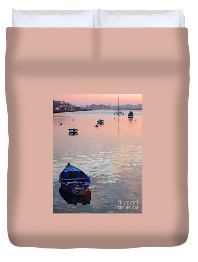 Wood Duvet Cover featuring the photograph End Of Day by Jose Elias - Sofia Pereira
