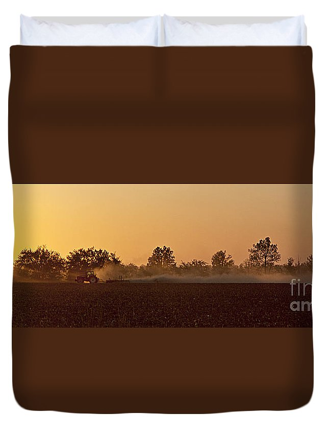 2010 Duvet Cover featuring the photograph End Of The Day by Larry Braun