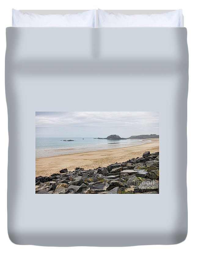 France Duvet Cover featuring the photograph English Channel Beach by Olivier Le Queinec