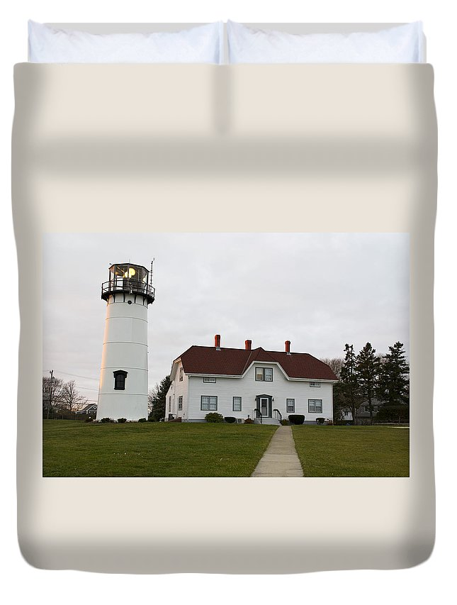 Lighthouse Duvet Cover featuring the photograph Evening At Chatham Lighthouse by Jatinkumar Thakkar