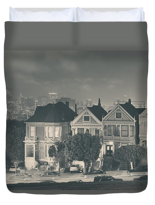 Alamo Square Duvet Cover featuring the photograph Evening Rendezvous by Laurie Search