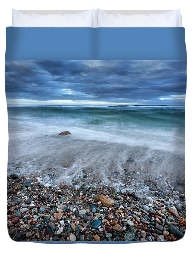 Atlantic Duvet Cover featuring the photograph Eye Of The Storm Square by Bill Wakeley