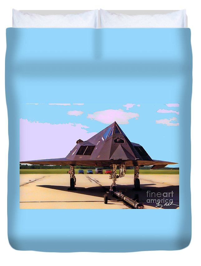 Lockheed F-117 Nighthawk Duvet Cover featuring the photograph F-117 Nighthawk by Tommy Anderson